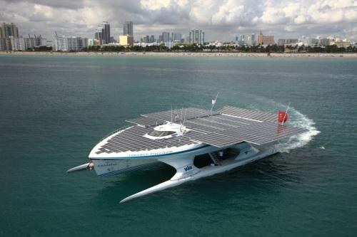 Arch2O-Planet-Solar-Boat9
