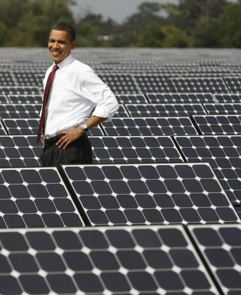 obama-amid-solar-panels-green-energy