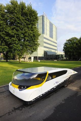 solar-powered-family-car-by-eindhoven-university-of-technology