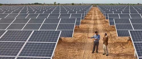 Al-via-la-costruzione-della-centrale-solare-più-grande-al-mondo-in-India-670x280